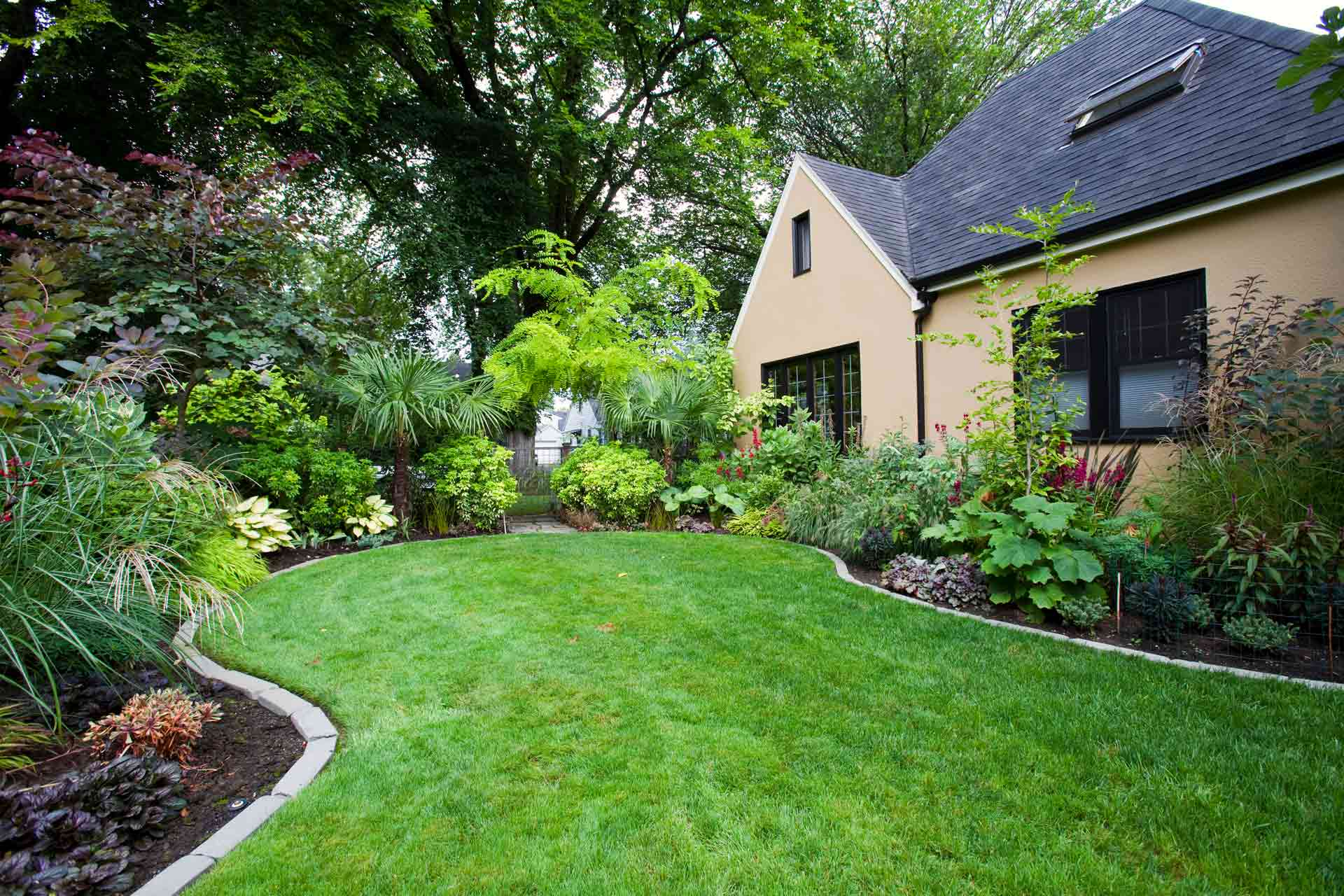What Is the Difference Between Landscaping and Hardscaping?